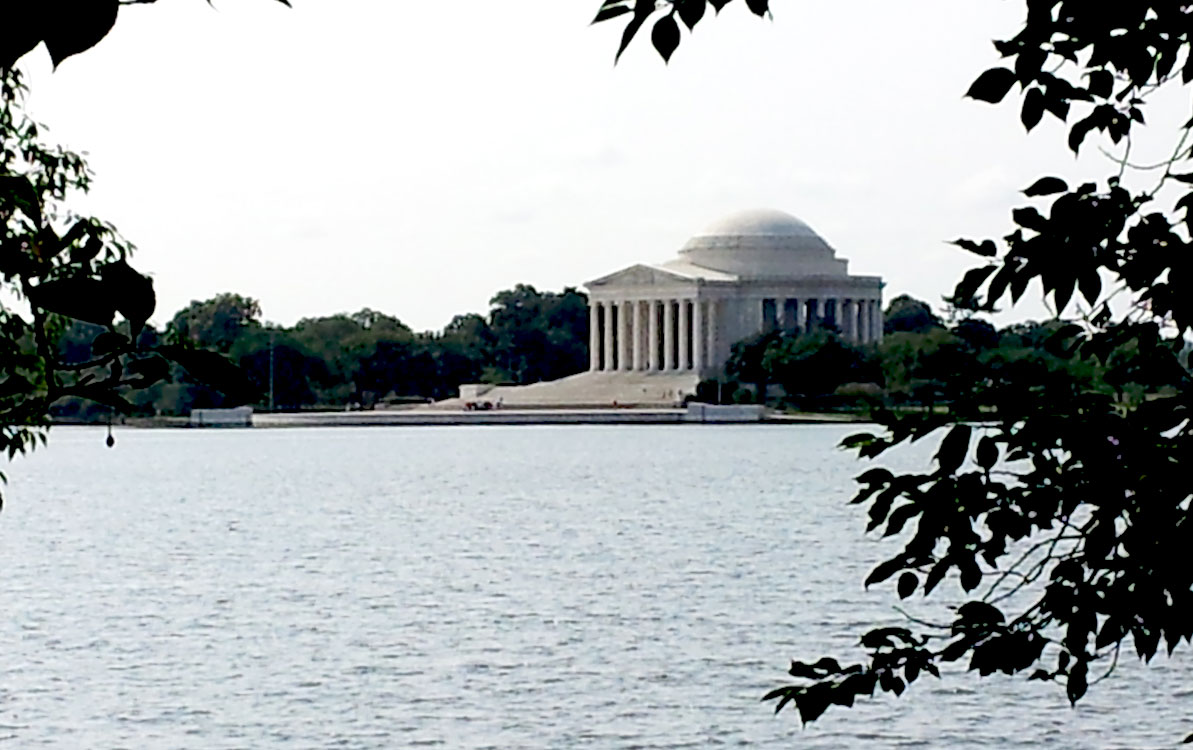 Photo of the Jefferson Memorial from across the Tidal Basin